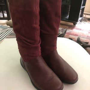 Hotter maroon Mystery sz 8 barely worn